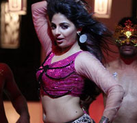 Mythili's item dance in Matinee