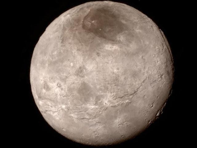 """أول صور قريبة لبلوتو """"الكوكب القزم"""" تكشف عن مفاجآت"""