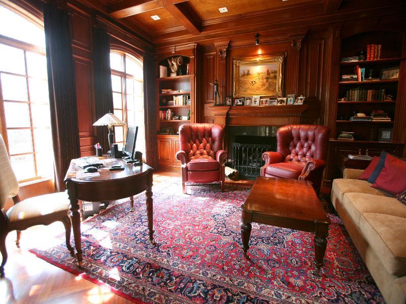 Victorian gothic interior style victorian gothic style - Mansion victoriana ...