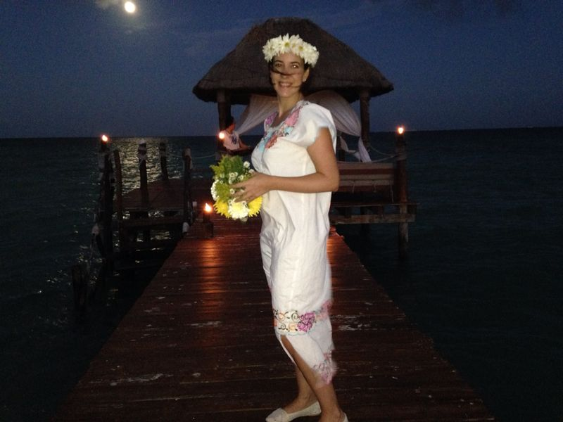 Boda maya con huipil mexicano