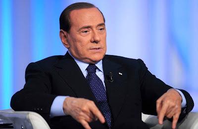 Berlusconi, miembro de la logia masónica P2 (Propaganda Due) Sb_8