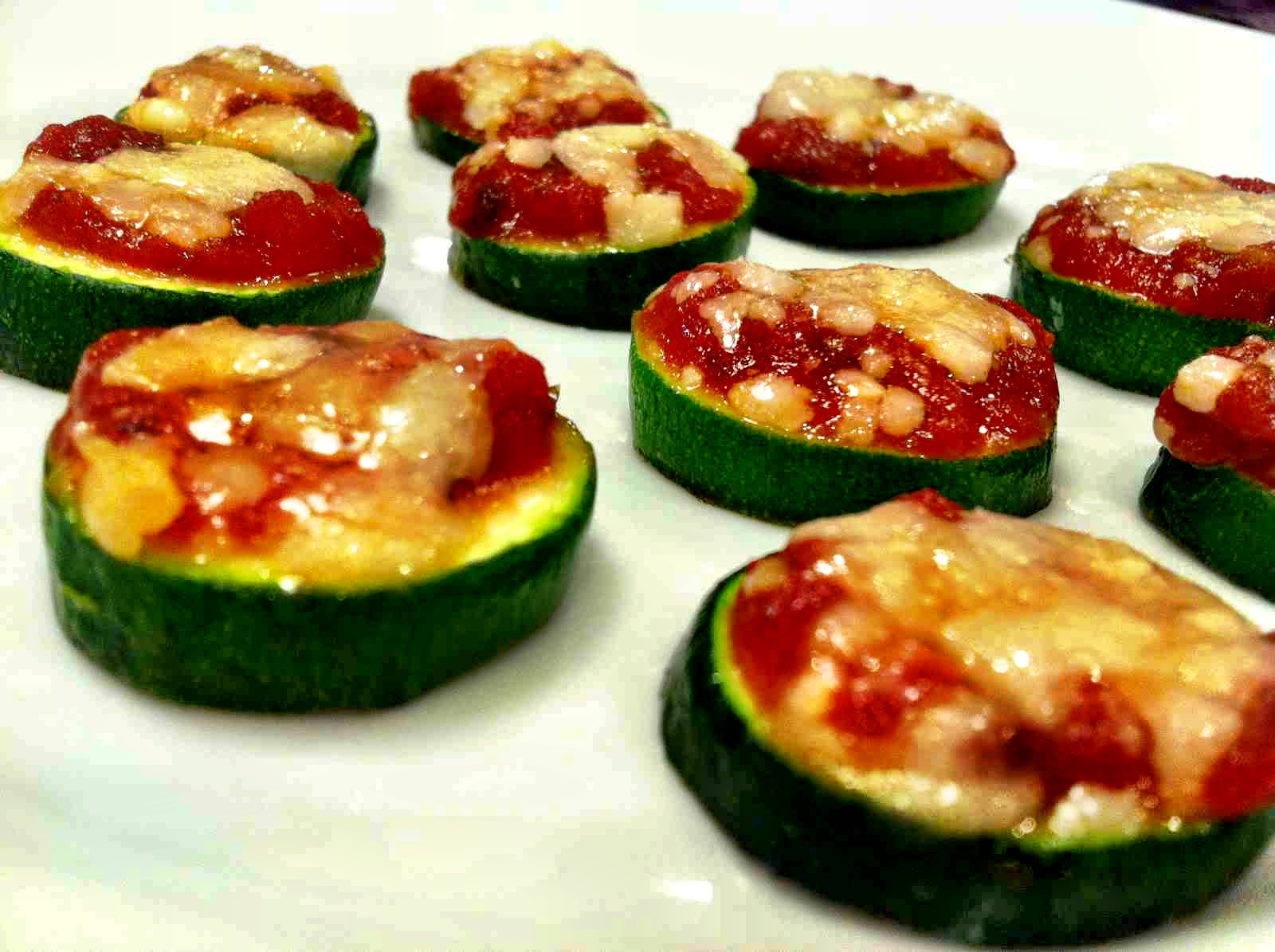 Kale With Love: Mini Zucchini Pizzas