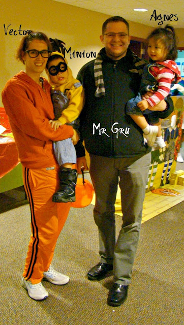 Perfect Despicable Me Family Costume Idea 362 x 640 · 111 kB · jpeg