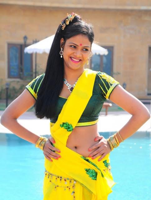 actress navel in saree stills