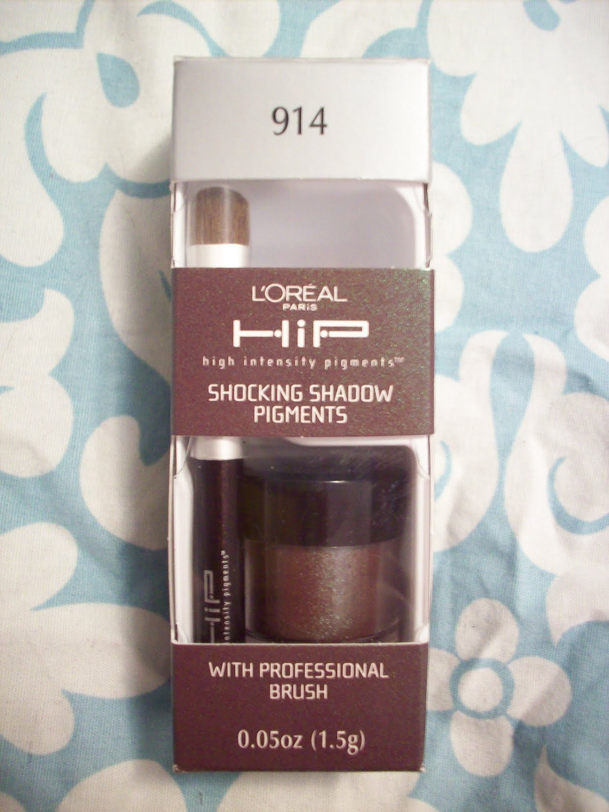 Applied Glamour: L'Oreal HIP Shocking Shadow Pigments in Intrepid