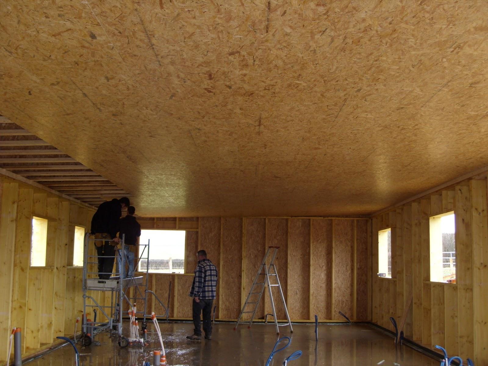 Vivre en bois toit du garage pr paration de l 39 tanch it - Comment isoler le toit d un garage ...