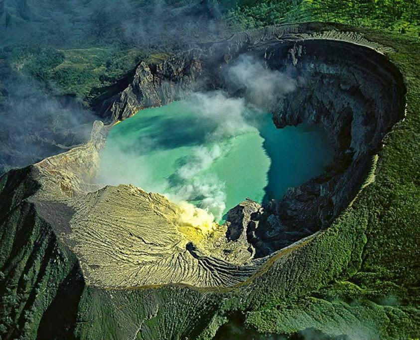 Kawah Ijen - Java  (Indonesia)