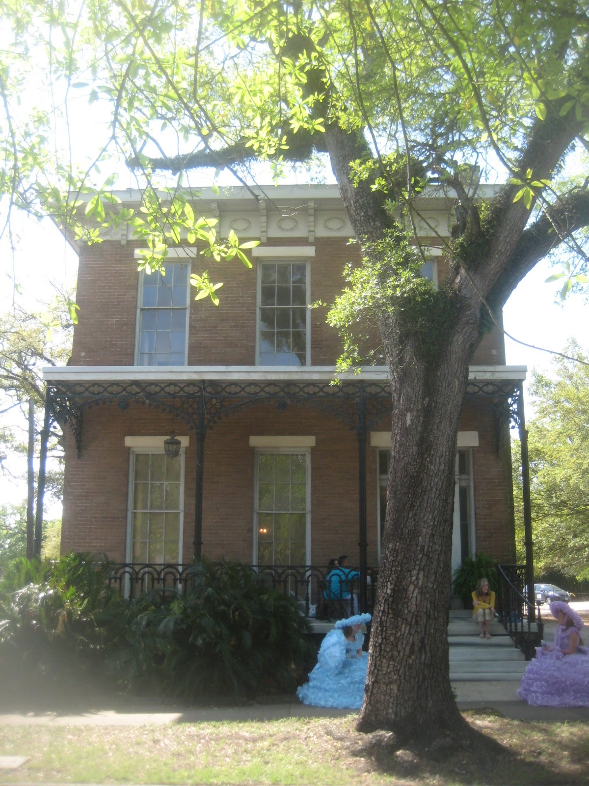 The St. John house is a excellent example of Mobile, Alabama 1850's  title=