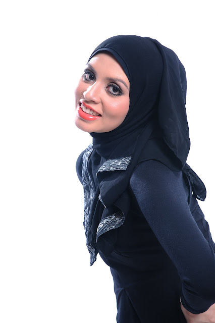 Adibah Karimah photoshoot by Hafiz Atan for car funds award