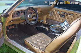 junkyard life classic cars muscle cars barn finds hot rods and part news readers ride 1971. Black Bedroom Furniture Sets. Home Design Ideas