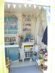 Shabby Chic Ireland: Decorating a Beach Hut