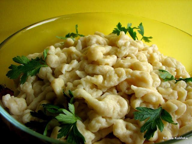 kluski, galuszki, kluseczki, domowe jedzenie, obiad, potrawy mączne, smaczna pyza, blog kulinarny, gotowanie