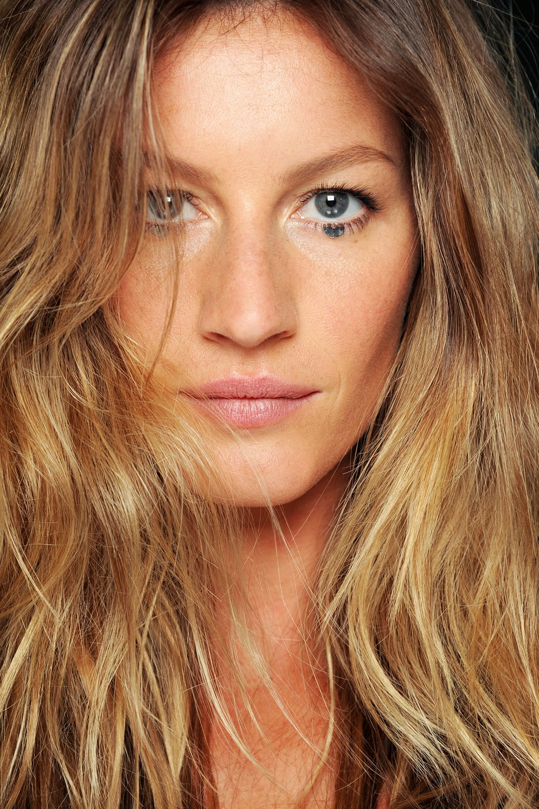 Gisele Bundchen (Givenchy S/S 2012) HQ +backstage - Models ... Gisele Bundchen