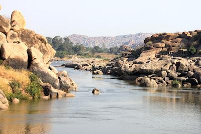 Индия Хампи река
