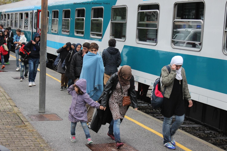 Eurocitycard Slovenija Slo Sz Sz Ne Glede Na Aktualne Razmere Z Begunci Zagotavljamo Vsakodnevne Mednarodne Zelezniske Povezave