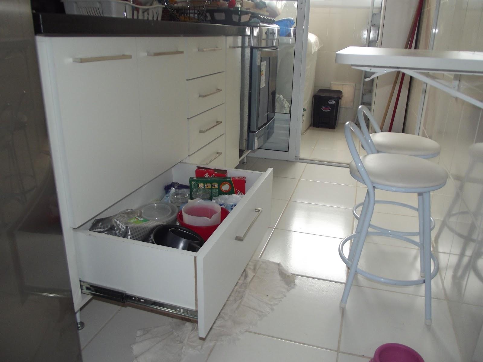 PROJETOS EM MADEIRA MACIÇA E MOVEIS SOB MEDIDA: Cozinha Banheiro e  #63313C 1600 1200