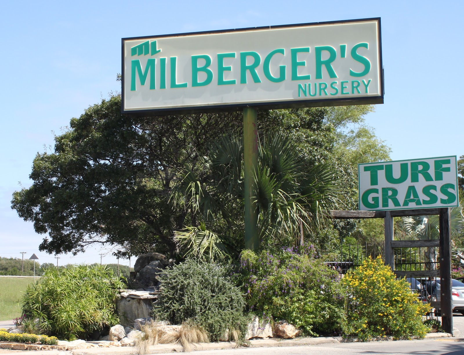 I M Joining In By Touring San Antonio Nurseries And Posting Some Of My Favorites Each Monday Today Is Milberger S Nursery On North Loop 1604 At Bulverde