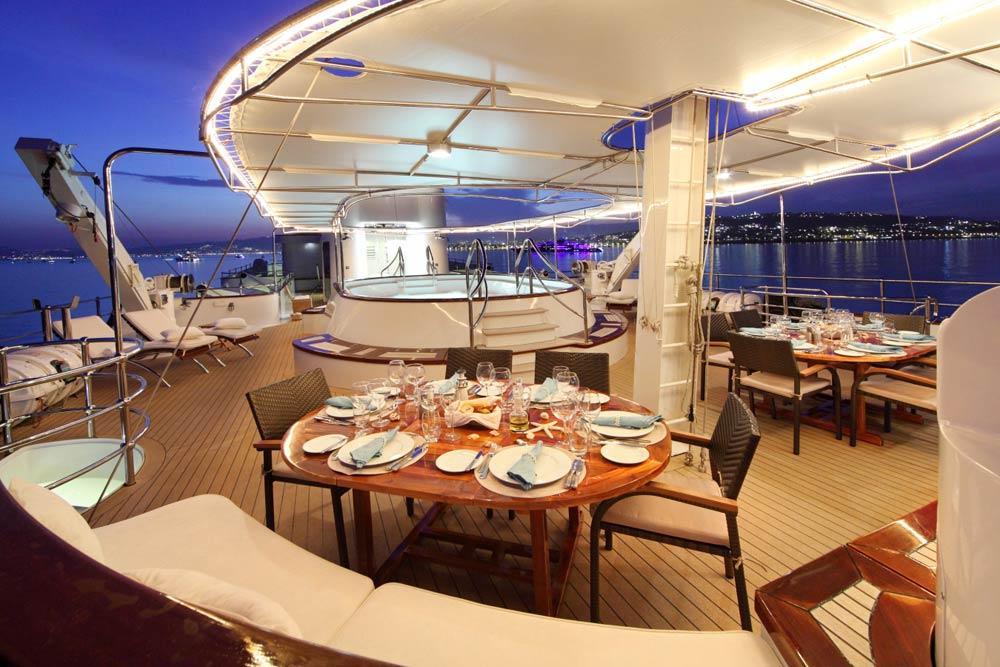 Luxury Life Design Sherakhan Luxurious Yacht Design