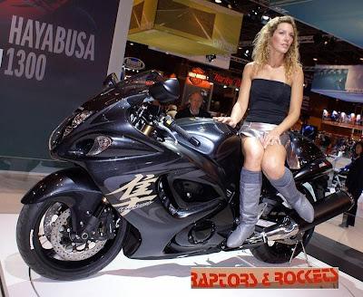 Motos Tunadas E Mulheres Turbinadas Foto Abaio