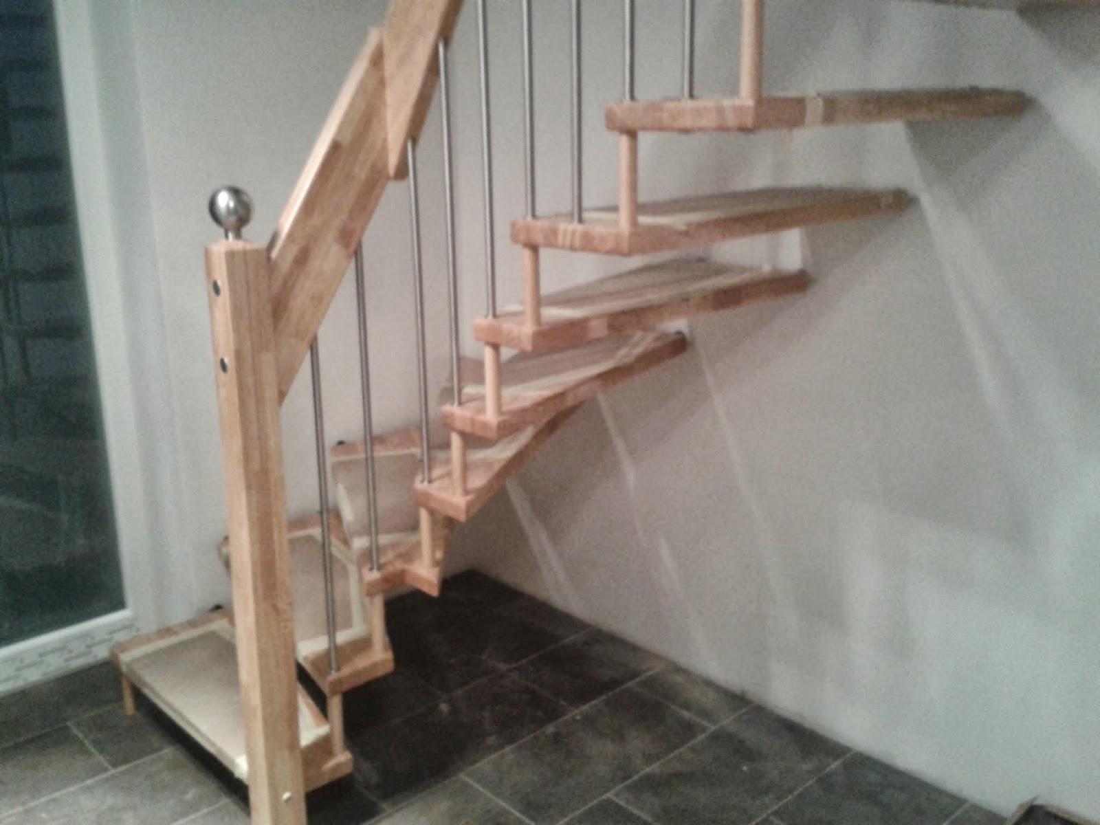 unser schultehaus in tespe das eingangspodest und die treppe sind fertig. Black Bedroom Furniture Sets. Home Design Ideas