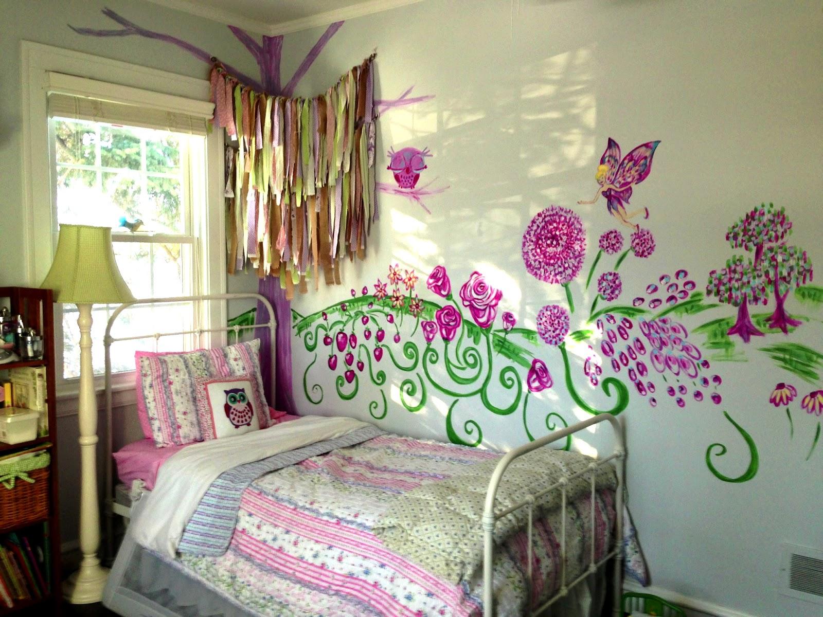 Wander in art fairy garden mural for Fairy garden bedroom ideas