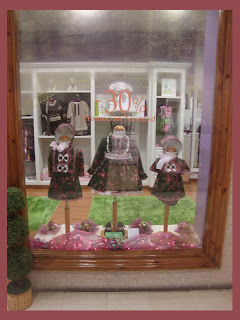 Escaparate de Navidad en la tienda de moda infantil Badum Badero, foto 4