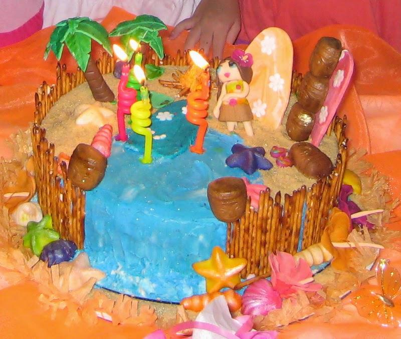 Decoracion Hawaiana Manualidades ~ Las bebidas ex?ticas de frutas tropicales o agua de coco servidas en