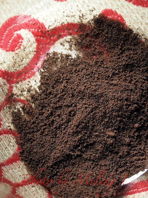 Starbucks VIA instant coffee powder plug and pour