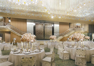 ANTILLA BALLROOM MUKESH AMBANI 2 BILLION DOLLAR HOUSE
