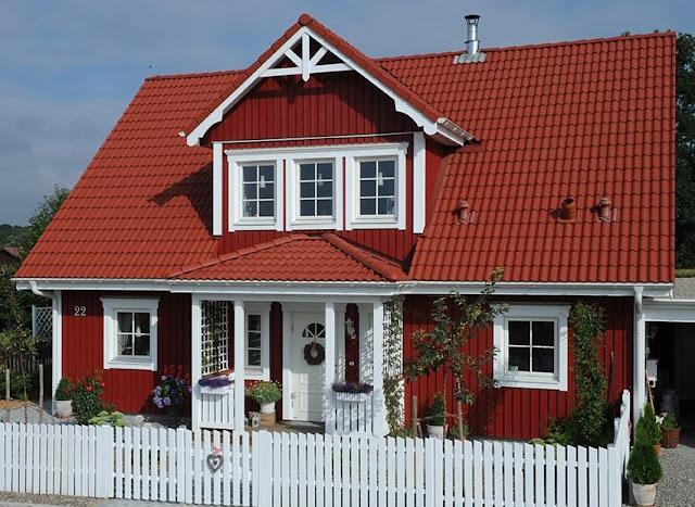 kleine lotta unser schwedenhaus ein wei er gartenzaun. Black Bedroom Furniture Sets. Home Design Ideas