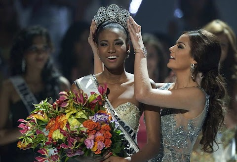 Entrevista de Leila Lopes, Miss Universo 2011 para cadena Univision