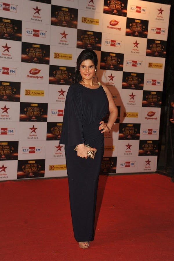 09 Hottest Bollywood Celebrities at Big Star Entertainment Awards