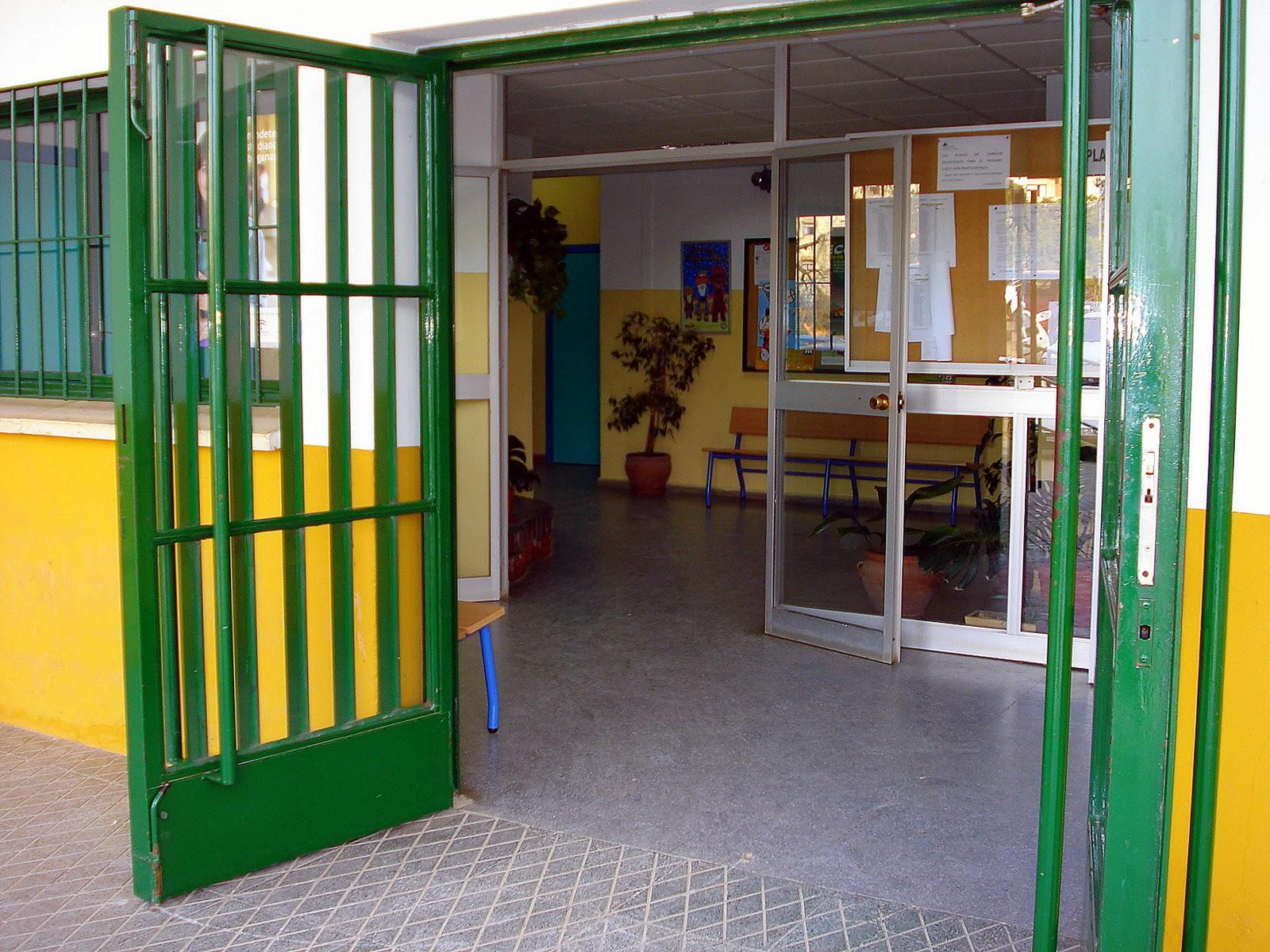 Entrada al edificio principal - Spa en mairena del aljarafe ...