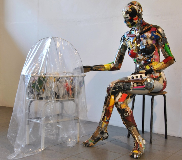 How to recycle amazing junk art sculptures made from for Things made from waste