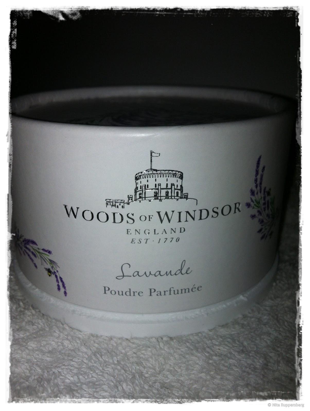 Woods Of Windsor Lavender Dusting Powder