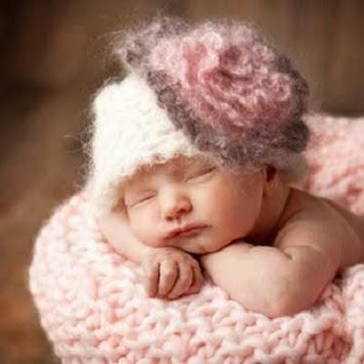 Album photo bébé fille nouveau née très mignon