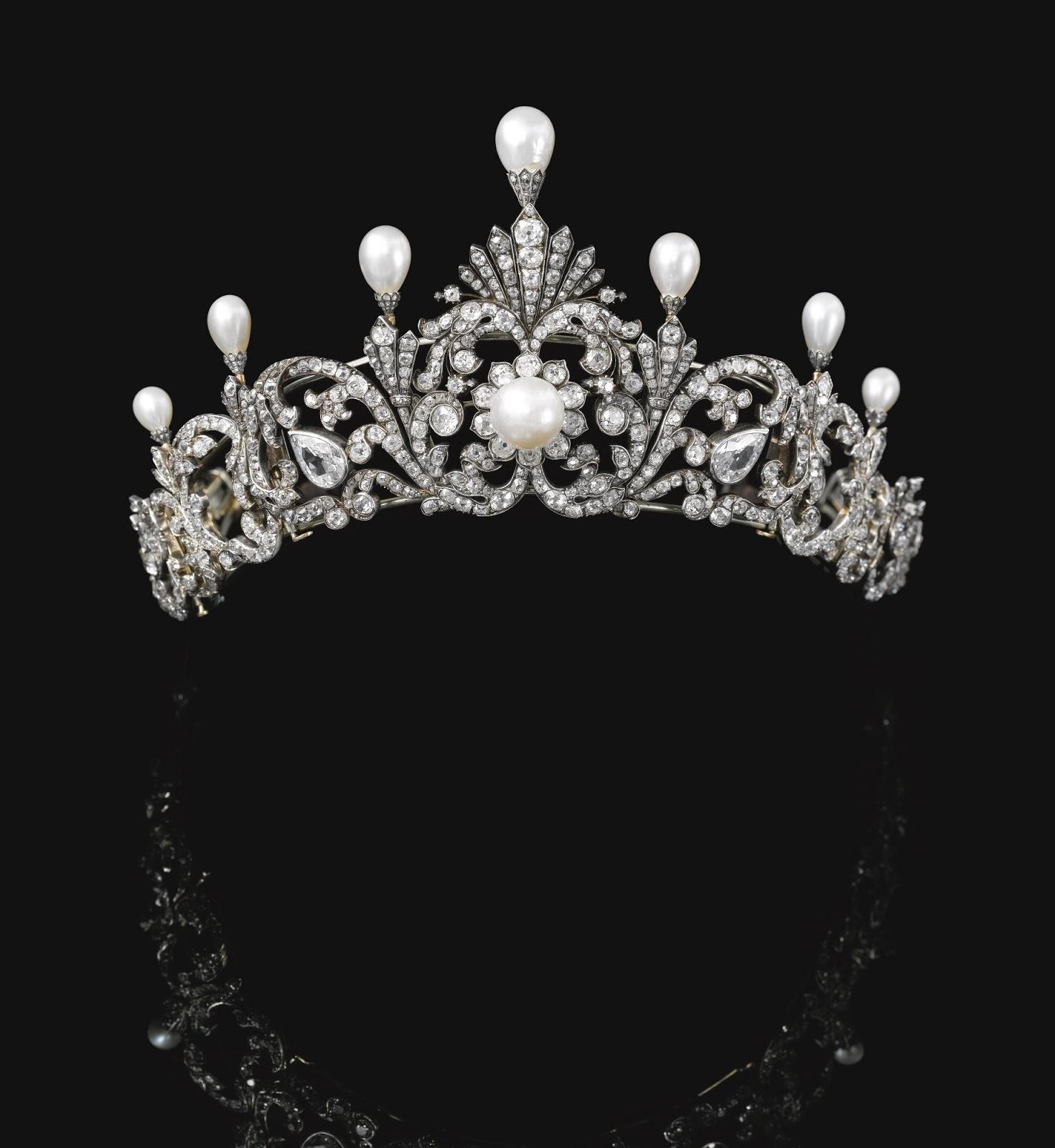 تيجان ملكية  امبراطورية فاخرة NATURAL+PEARL+AND+DIAMOND+TIARA,+LATE+19TH+CENTURY