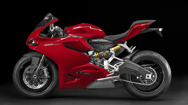 Ducati Going To Launch 899 Panigale In India 2015
