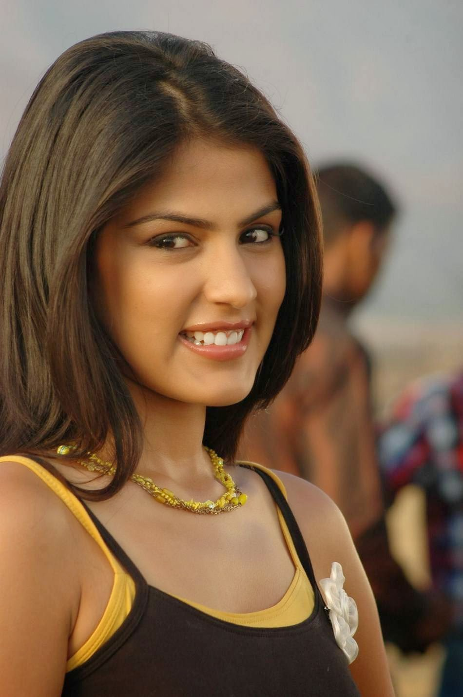 Actress Rhea Chakraborty Latest Cute Hot Exclusive Black and Yellow ...