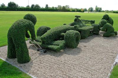 Kreativiti seni gubahan pokok hiasan