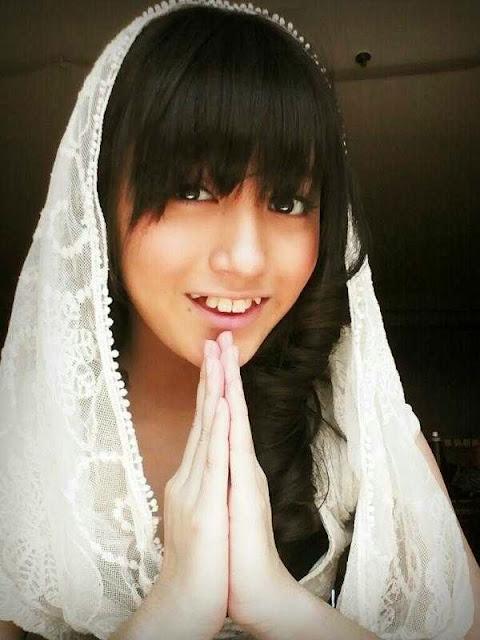 Nabilah JKT48 pakai Kerudung