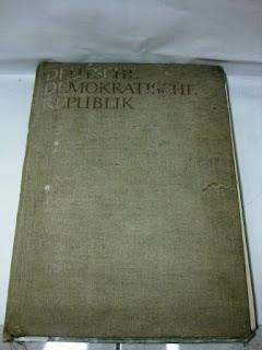 """Buku """"Deutsche Demokratische Republik"""""""