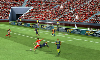 Real Football 2013 v1.0.6 APK + DATA Android zip