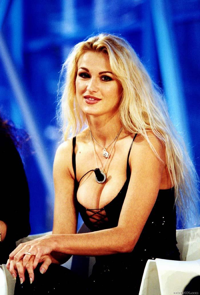 Eva henger hungarian celebrity model actress - Diva futura in tv ...