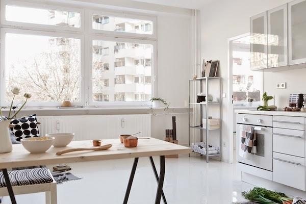 vosgesparis a white home in berlin fantastic frank. Black Bedroom Furniture Sets. Home Design Ideas