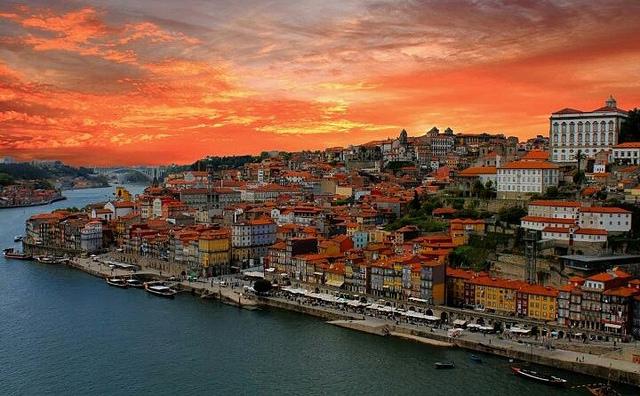 Viajar de trem de Paris a Porto