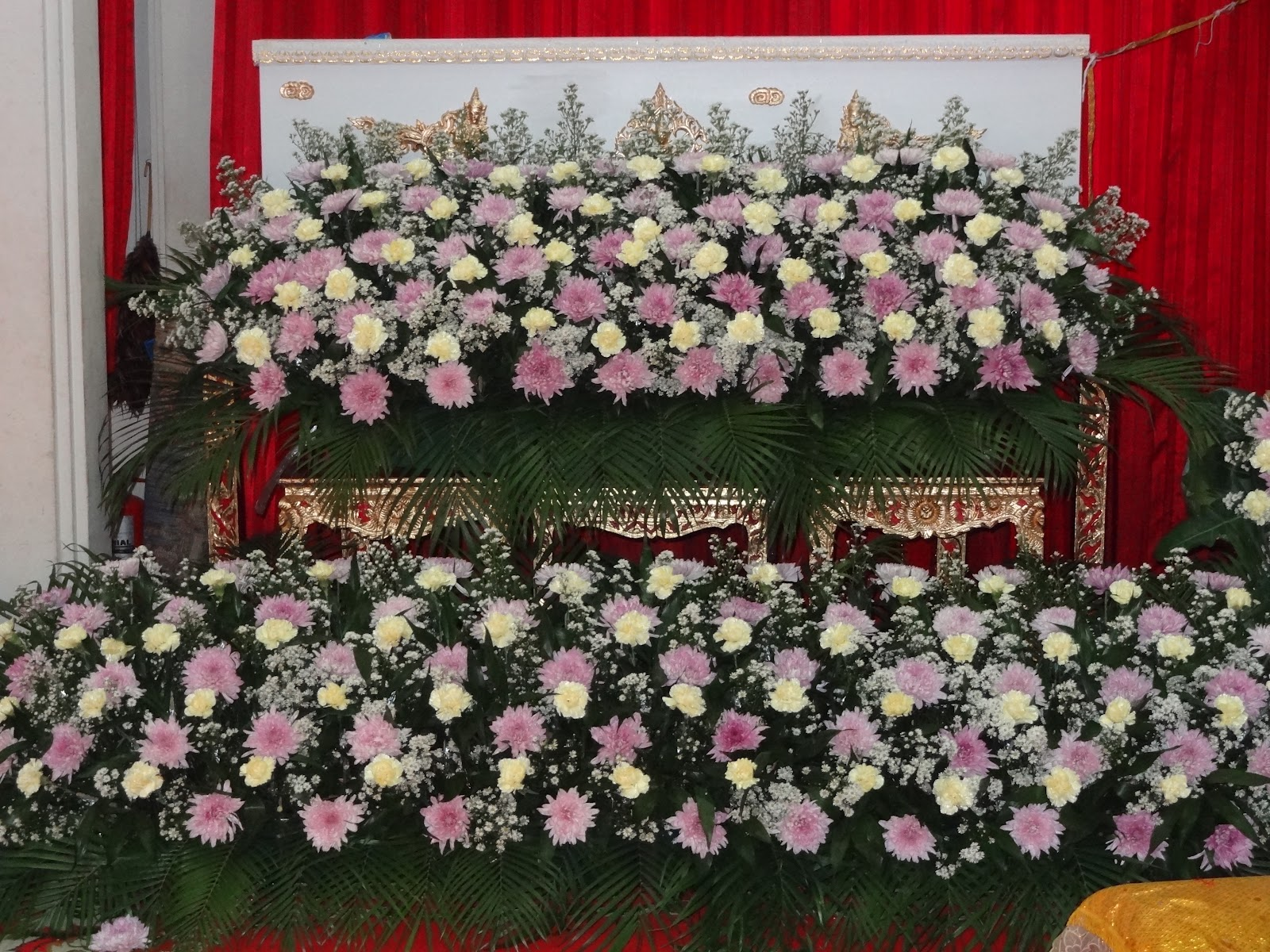 My requiim to my son paul at his thai buddhist funeral gary pauls flowers and coffin izmirmasajfo