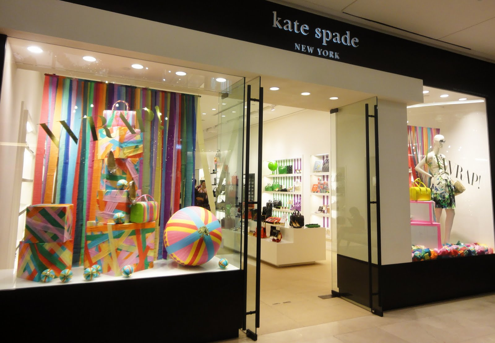 Kate spade retail a window seat for Fashion valley jewelry stores