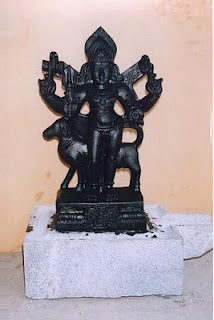http://4.bp.blogspot.com/-lW-UaBX6UsI/TefPK1KW0TI/AAAAAAAAAVs/PhQ7_5GQr-E/s1600/Bhairava-Vigraham.jpg