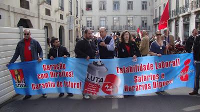 Portugal: Jovens desfilaram a sua indignação contra a precariedade laboral